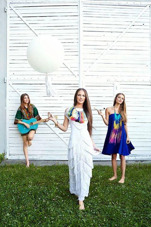 """Sesja zdjęciowa dla magazynu WEDDING """"Czas na piknik"""", a w niej suknia nawiązująca do mody lat siedemdziesiątych z najnowszej kolekcji atelier na rok 2016."""
