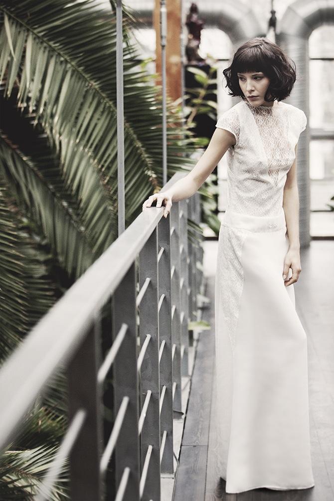 Zabudowana suknia ślubna Karolina Twardowska Atelier. Maxime to suknia dla kobiet kochających klasykę, prostotę i elegancję.
