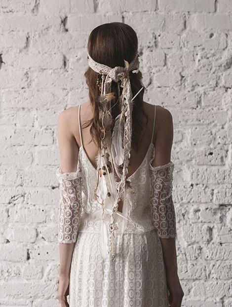Pióropusz ślubny. Wyjątkowa ozdoba. Sprawdź dodatki Karolina Twardowska Atelier.